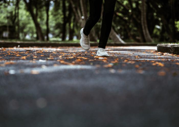 El kinesiólogo de KMP Fernando Yanjarí explica que la cantidad de carga que pueda recibir un cuerpo, ¿Es bueno correr todos los días?