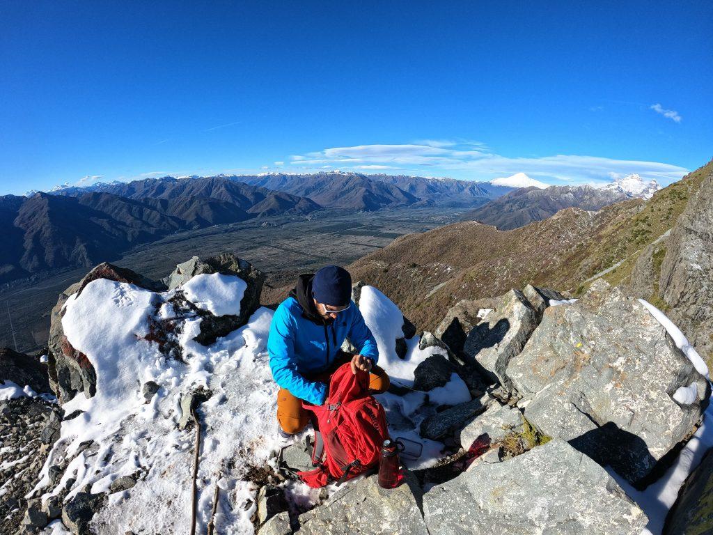 El Niño Volcán, Francisco Pino, entrega algunos lineamientos sobre qué debe llevar una mochila de trekking.